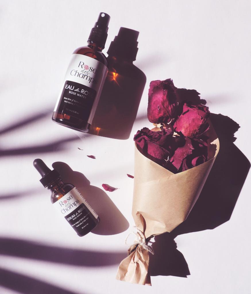 idee-cadeau-rose-fleur-eau-de-rose-serum-de-rose-fetes-des-meres-rosedeschamps